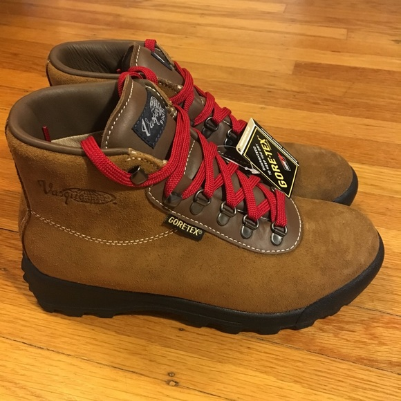 485d000aac5 Vasque - women's Sundowner Gortex Hiking Boots NWT